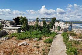 Kuča na otoku , Murter, Famiglia