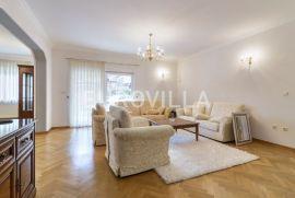 Mlinovi, luksuzna obiteljska kuća s 3 stana, Zagreb, Σπίτι