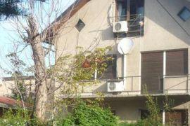 Črnomerec blizina okretišta tramvaja 50 m od Ilice kuća s pet stanova, Zagreb, House