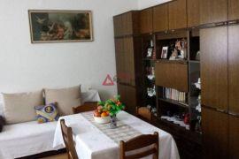 Trešnjevka, Tratinska, 2-sob., prizemlje 52m2 + 17m2-ostava +vrt, Zagreb, Appartment