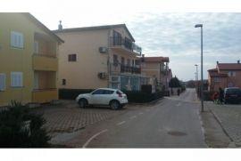 NOVIGRAD KUĆA SA 3 STANA NA PRODAJI, Novigrad, بيت