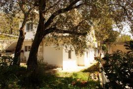 Trosobna kuća sa lijepim dvorištem, Sutomore, Bar, Haus