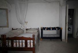 Kuca za totalnu renovaciju, Sutomore, Bar, House