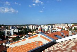 Novi dvoetažni stan na Kaštanjeru , Pula, Appartement
