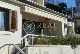 Kuća u neposrednoj blizini mora, P+1 od 255 m2, Rijeka, Casa