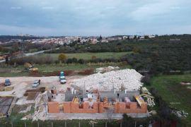 Stan Pula, Fojbon, novi objekti u gradnji., Pula, Flat