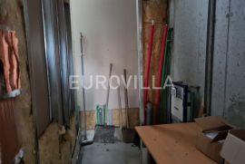 Banjavčićeva, ulični poslovni prostor (lokal) za zakup 54,50 m2 u stambeno-poslovnoj zgradi, Zagreb, Poslovni prostor