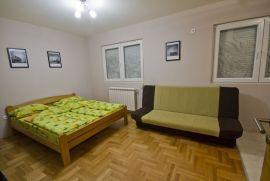 Apartman -prenociste -stan na dan Cacak, Čačak, Stanza
