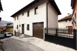 Lijepo uređen dvosoban stan u kući, Alifakovac, Sarajevo Stari Grad, Appartamento
