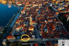 Dioklecijanova palača - sami centar grada Splita, Split, Stan