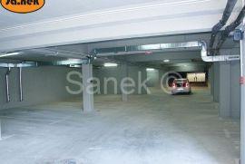 Garažno parkirno mjesto u zgradi, Samobor, كراج