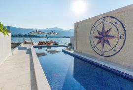 Luxury villa by the sea with pool ,Djurasevici Obala, Tivat, Tivat, House