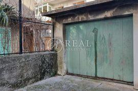 Prodaja garaže na Pećinama  18 m2, Rijeka, كراج