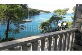 SPLITSKA, Brač, kamena kuća uz samo more, Supetar, Maison