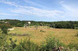 Rovinj, okolica, kompleks građevinskog i poljoprivrednog zemljišta, 8.383 m2, Kanfanar, Zemljište