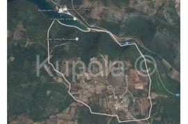 Bubani, kompleks nekretnina (kamena kuća + građevinska zemljišta), Kanfanar, Land