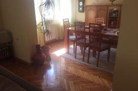Prodamo kuću u Brezi, Breza, Σπίτι
