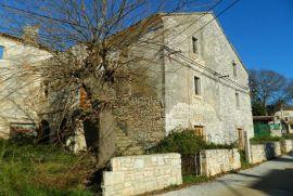 POVOLJNO - Mrgani, kamena kuća za uređenje, Kanfanar, Casa