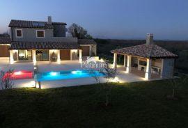 Istra, Marčana, prekrasna vila sa bazenom, 300m2, NOVO!!!, Marčana, House