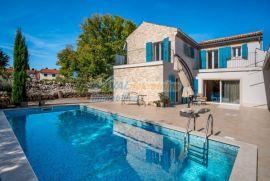 Malinska, prodaja vile sa bazenom na mirnoj lokaciji, Malinska-Dubašnica, Дом