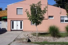 Prodajem kucu u Beceju, Bečej, بيت