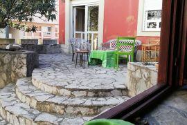 Kuća sa poslovnim prostorom vrtom i garažom centar Mostar - Trg Musala, Mostar, بيت