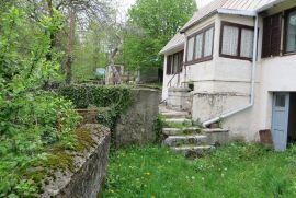 ZLOBIN, autohtona kuća 80 m2 + 4200 m2 okućnice, Bakar, Casa