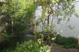 Kuća NOVI VINODOLSKI 200m2, Novi Vinodolski, House