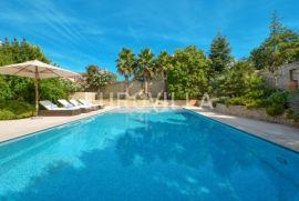 Murter, luksuzna obiteljska vila s bazenom, Murter, Kuća