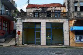 Devastirana kuća u A zoni u Čapljini, Čapljina, Kuća