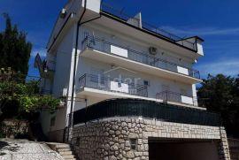 Crikvenica, kuća sa 8 apartmana i pogledom na more, Crikvenica, Casa