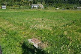 Rab, zemljišta od 560 i 840 m2 ili u jednoj cijelini u blizini mora i grada Raba, Rab, Arazi