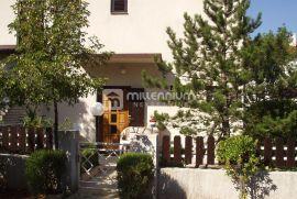 Crikvenica, Jadranovo, kuća s 2 stana i okućnicom, Crikvenica, Σπίτι