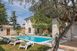 Istra, Fažana, prekrasna kamena villa, Fažana, House