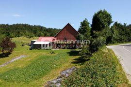 Gorski kotar, 140m2, kuća s dva stana i 8500m2 okućnice, Fužine, Maison