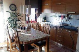 Rijeka, Zamet, 300m2, kuća s 3 stana, Rijeka, Σπίτι