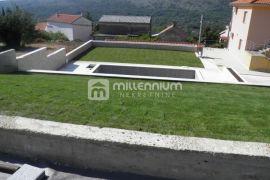 Bribir, uređena kuća s bazenom i velikom okućnicom, Vinodolska Općina, House