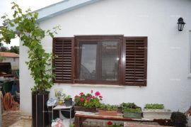 Kuća Medulin, samostojeća manja kuća. Miran dio mjesta., Medulin, بيت