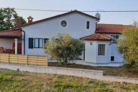 Kuća na mirnoj lokaciji u Istri, Buje, Haus