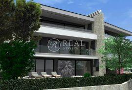 Predivan stan od 95 m2 sa pripadajućim terasama, dva garažna i dva vanjska parkirna mjesta te dodatnom prostorijom u podrumu zgrade, Rijeka, Appartamento
