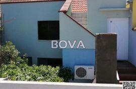 Kuća u nizu  110 m2 – Vrsi *Centar mjesta*  (ID-2050), Nin, Haus