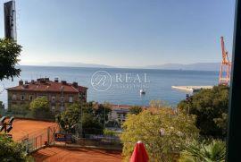 Atraktivna lokacija,250 m2,okućnica 200 m2, Pećine, Rijeka, Haus