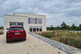 Kuća Nova, moderna,  samostojeća kuća, odmah useljiva., Vodnjan, Kuća