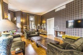 Zrinjevac luksuzan namješten trosoban stan 200m2 na prvom katu, Zagreb, Stan