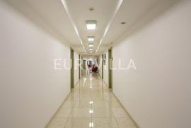 Miramarska, ured za zakup, od 18 do 22  m2 na 9. katu, Zagreb, Immobili commerciali