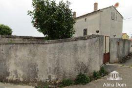 Kuća Juršići! Stara kamena istarska kuća za adaptaciju !, Svetvinčenat, Kuća