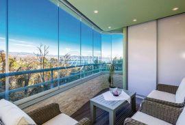 Opatija prekrasan pogled, apartman 52 m2 ,2S+DB,loggia, Opatija, Stan