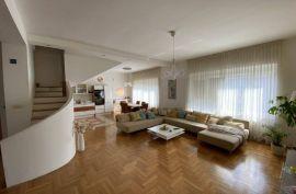 Centar, Zvonimirova, 4-soban, 122m2, 3. kat, balkon, betonska deka, Donji Grad, Stan
