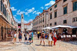 Kuća s poslovnim prostorom na vrlo frekventnoj poziciji - investicijska prilika - Dubrovnik, Stari grad, Dubrovnik, Kuća