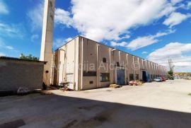 Split građevinsko zemljište 5677 m2 novo u ponudi \